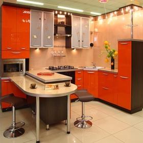 угловой кухонный гарнитур с барной стойкой красный мебельная
